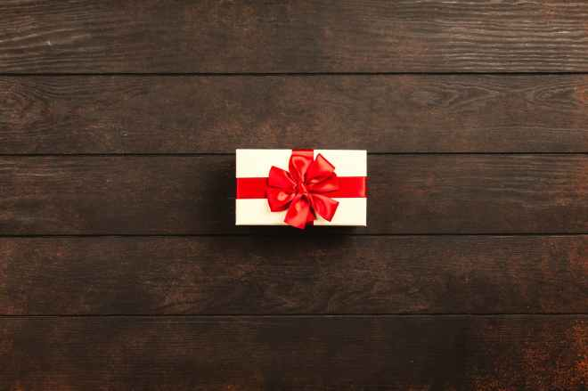 rectangular white and red gift box